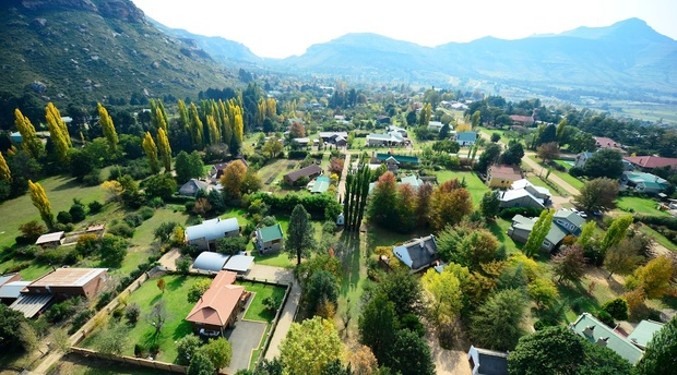 Mont Rouge guest house provides upmarket self catering accommodation in Clarens